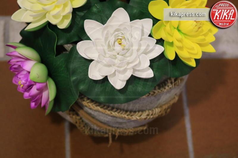 bouquet di fiori - Genova - 21-02-2017 - Un funerale per l'ultima carezza all'animaletto di una vita