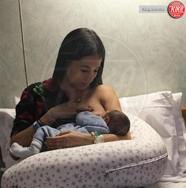 Federica Riccardi - Milano - Megan Gale & C, quelle che allattano sui social