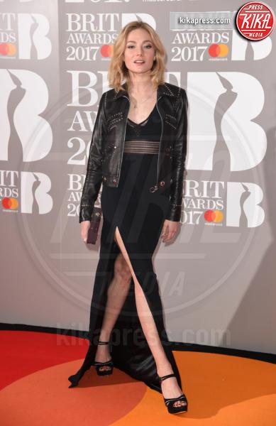 Clara Paget - Londra - 22-02-2017 - Brit Awards: Katy Parry, nuova acconciatura nella notte di Bowie