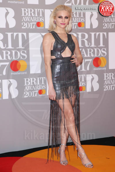 Pixie Lott - Londra - 22-02-2017 - Brit Awards: Katy Parry, nuova acconciatura nella notte di Bowie