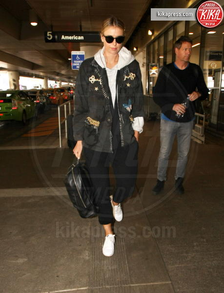 Maria Sharapova - LAX - 24-02-2017 - Fashion Week o viaggio di piacere, i travel outfit delle star