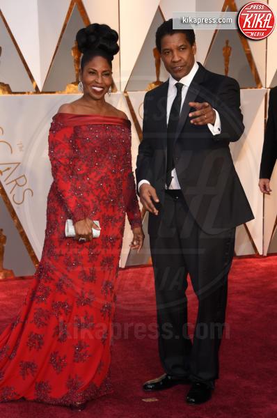 Pauletta Washington, Denzel Washington - Hollywood - 26-02-2017 - Oscar 2017: le coppie sul red carpet