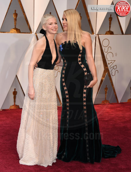 Busy Philipps, Michelle Williams - Hollywood - 26-02-2017 - Oscar 2017: i protagonisti sfilano sul tappeto rosso