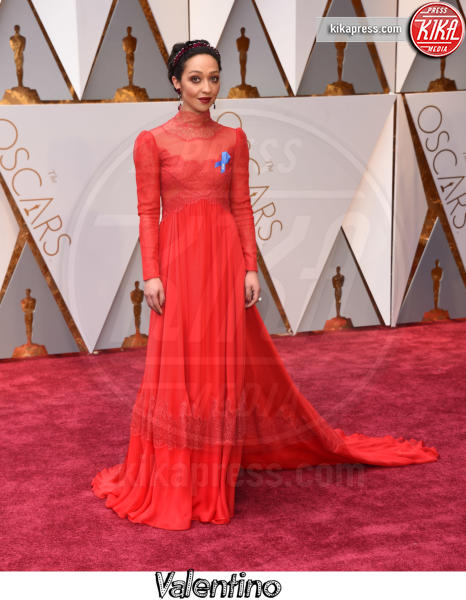 Ruth Negga - Hollywood - 26-02-2017 - Oscar 2017, gli stilisti sul red carpet