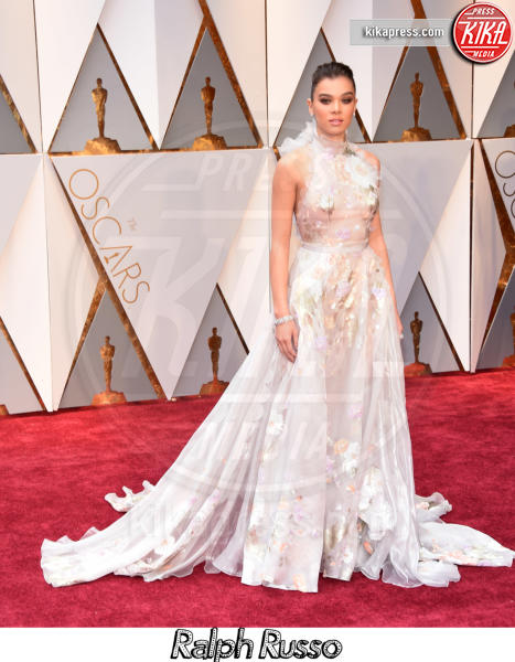 Hailee Steinfeld - Hollywood - 26-02-2017 - Oscar 2017, gli stilisti sul red carpet