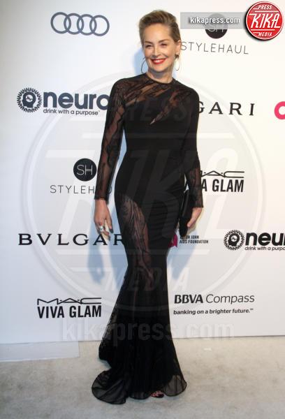 Sharon Stone - Los Angeles - 26-02-2017 - Oscar 2017: sexy spacchi e trasparenze al party di Elton John