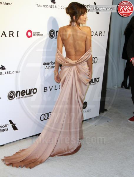Alessandra Ambrosio - Los Angeles - 26-02-2017 - Oscar 2017: sexy spacchi e trasparenze al party di Elton John