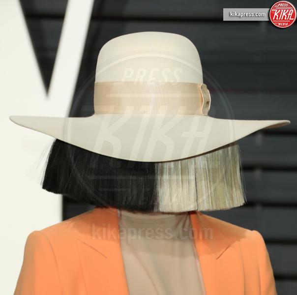 Sia - Beverly Hills - 26-02-2017 - Sia, mai vista così: su Instagram la foto senza veli