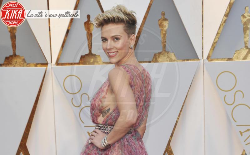 Scarlett Johansson - Los Angeles - 27-02-2017 - Le celebrity che pensavi fossero sui social network
