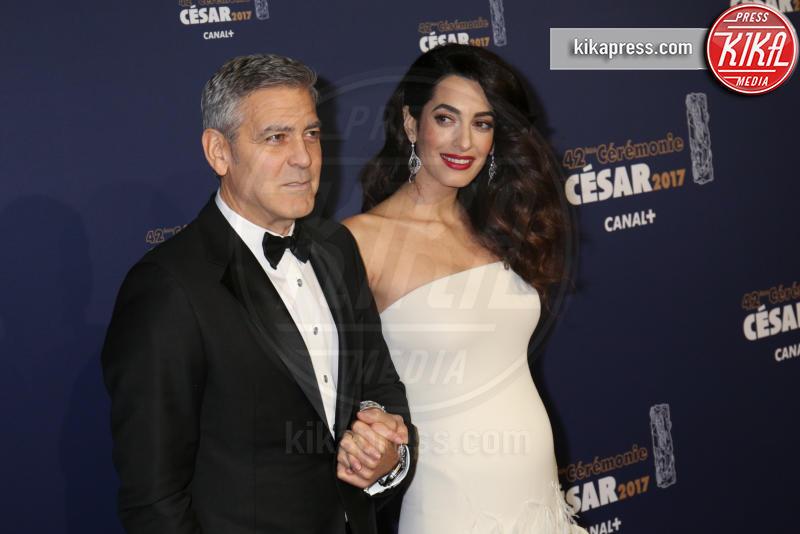 Amal Alamuddin, George Clooney - Parigi - 24-02-2017 - Qui sono nati i gemellini Clooney: entrate con noi