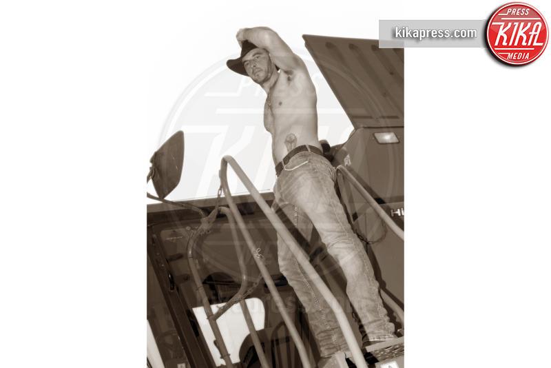 11-12-2016 - Da Fossalon, il calendario dei giovani agricoltori sexy