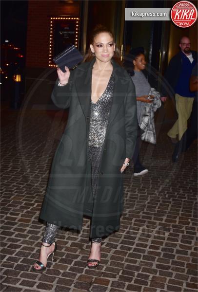 Jennifer Lopez - New York - 01-03-2017 - Jennifer Lopez: guardala negli occhi, se ci riesci!