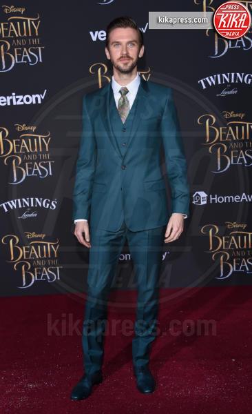 Dan Stevens - Hollywood - 02-03-2017 - Emma Watson in nero alla première de La Bella e La Bestia