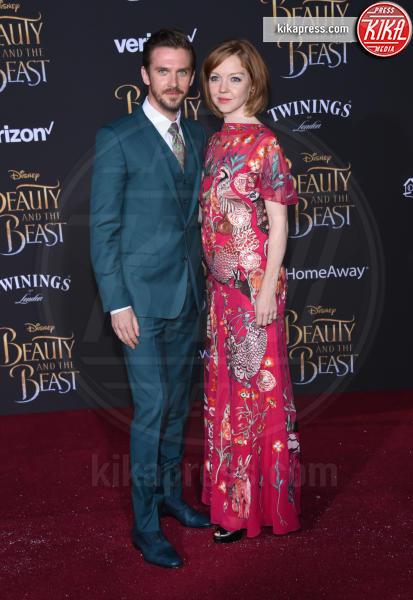 Susie Hariet, Dan Stevens - Hollywood - 02-03-2017 - Emma Watson in nero alla première de La Bella e La Bestia