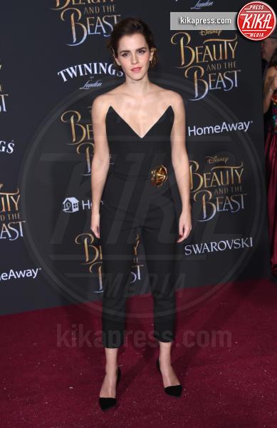 Emma Watson - Hollywood - 02-03-2017 - Emma Watson in nero alla première de La Bella e La Bestia