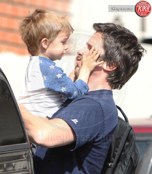 Joseph Bale, Christian Bale - Brentwood - 06-03-2017 - 19 marzo, festa del papà o festa dei DILF?