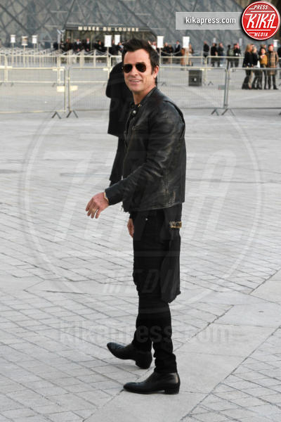 Justin Theroux - Parigi - 07-03-2017 - Paris Fashion Week, la sfilata dei vip en plein air!