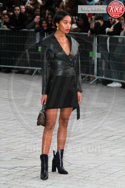 Laura Harrier - Parigi - 07-03-2017 - Paris Fashion Week, la sfilata dei vip en plein air!