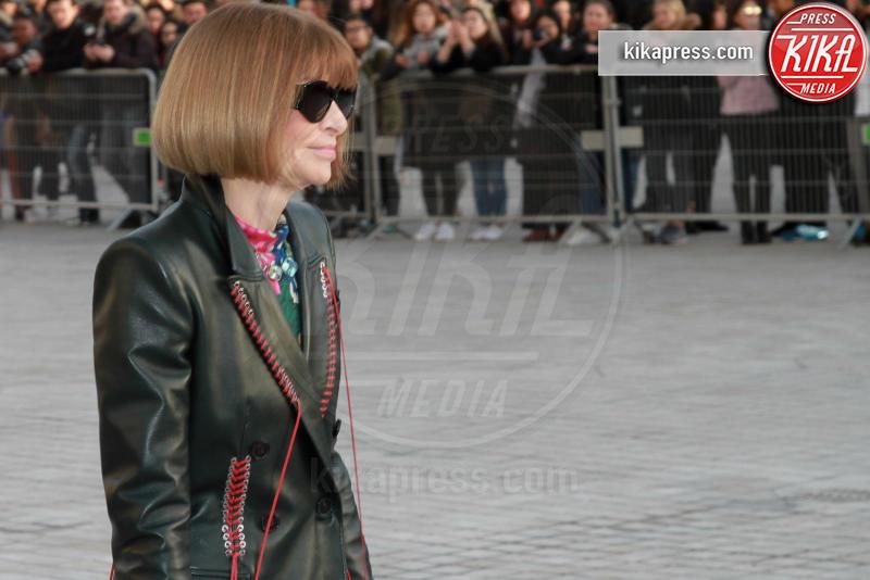 Anna Wintour - Parigi - 07-03-2017 - Paris Fashion Week, la sfilata dei vip en plein air!