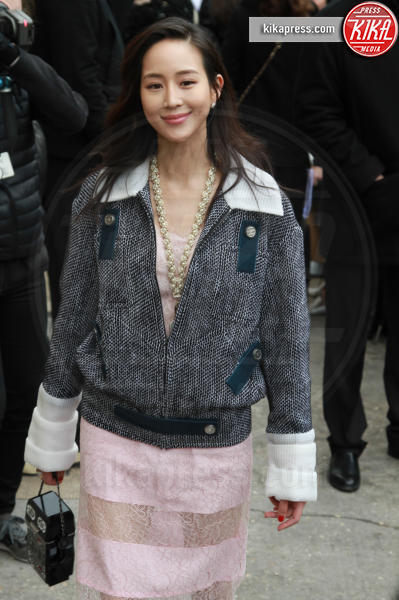 Janine Chang - Parigi - 07-03-2017 - Paris Fashion Week, la sfilata dei vip en plein air!
