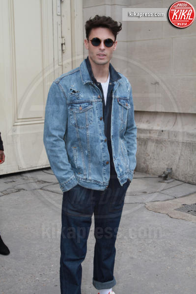 Baptiste Giabiconi - Parigi - 07-03-2017 - Paris Fashion Week, la sfilata dei vip en plein air!