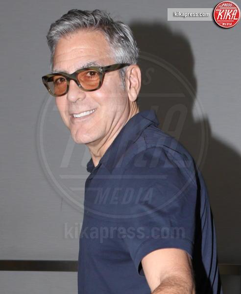 George Clooney - LAX - 12-03-2017 - George Clooney e il regalo da 14 milioni di dollari