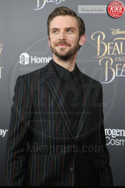 Dan Stevens - New York - 14-03-2017 - Emma Watson, La Bella in nero alla première newyorchese