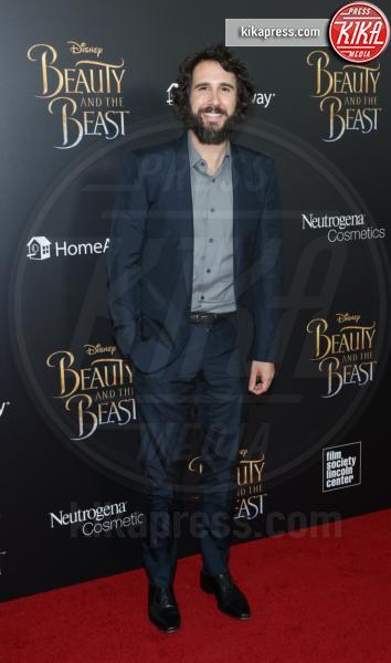 Josh Groban - New York - 13-03-2017 - Emma Watson, La Bella in nero alla première newyorchese