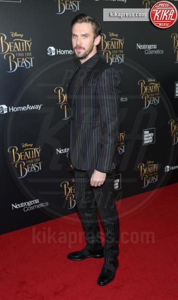 Dan Stevens - New York - 13-03-2017 - Emma Watson, La Bella in nero alla première newyorchese