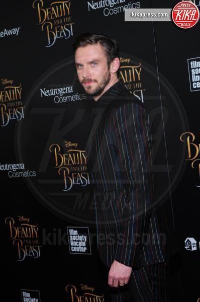 Dan Stevens - NY - 13-03-2017 - Emma Watson, La Bella in nero alla première newyorchese
