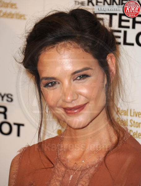 Katie Holmes - Beverly Hills - 15-03-2017 - Katie Holmes e Matthey Perry sono The Kennedys: after Camelot