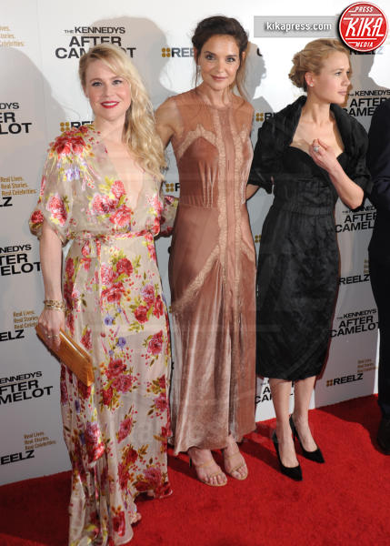 Kristen Hager, Kristin Booth, Katie Holmes - Beverly Hills - 15-03-2017 - Katie Holmes e Matthey Perry sono The Kennedys: after Camelot