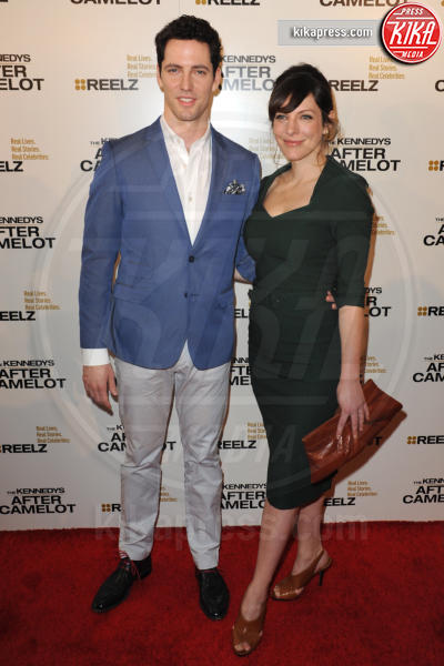 Brett Donahue - Beverly Hills - 15-03-2017 - Katie Holmes e Matthey Perry sono The Kennedys: after Camelot