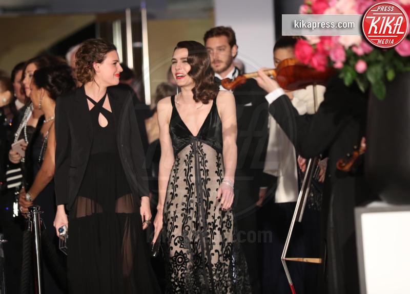 ballo della rosa, Juliette Maillot, Pierre Casiraghi, Charlotte Casiraghi - Monaco - 18-03-2017 - Beatrice e Charlotte, le Casiraghi regine del Ballo della Rosa