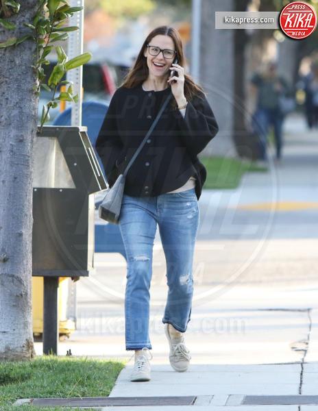 Jennifer Garner - Brentwood - 23-03-2017 - Da Torino con furore: le Superga sono le scarpe delle star