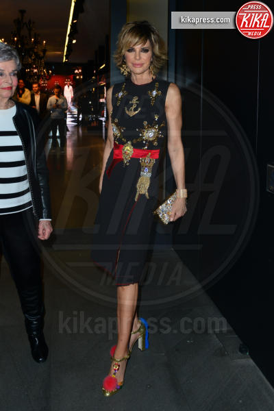 Lisa Rinna - Beverly Hills - 23-03-2017 - Le donne di Sylvester Stallone in fiore al party Dolce & Gabbana