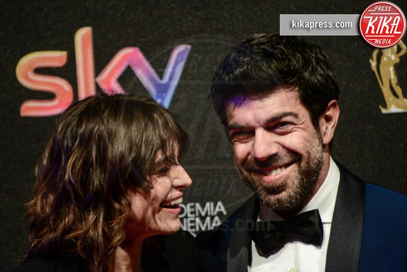 Kasia Smutniak, Pierfrancesco Favino - Roma - 27-03-2017 - David di Donatello 2017: l'eleganza sul red carpet