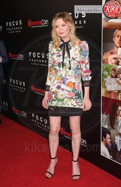 Kirsten Dunst - Los Angeles - 29-03-2017 - Chi lo indossa meglio? Kirsten Dunst e Cardi B