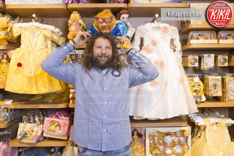 Martin Castrogiovanni - Roma - 28-03-2017 - Martin Castrogiovanni e Sara di Vaira, shopping da bambini!