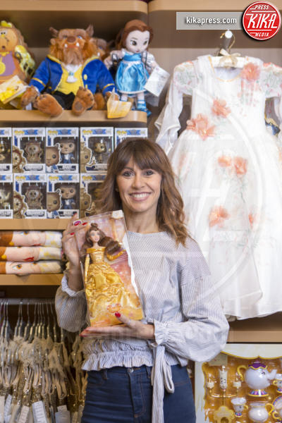 Sara Di Vaira - Roma - 28-03-2017 - Martin Castrogiovanni e Sara di Vaira, shopping da bambini!