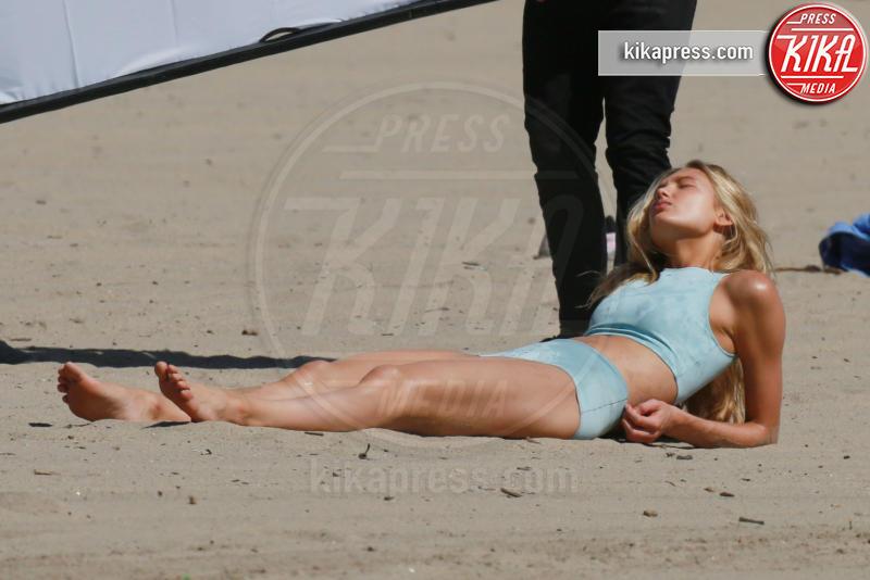 Romee Strijd - Malibu - 29-03-2017 - Romee Strijd: shooting bollente sotto il sole di Malibu