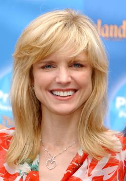 Courtney Thorne-Smith - Anaheim - 11-09-2004 - Ally McBeal si è sposata di nascosto