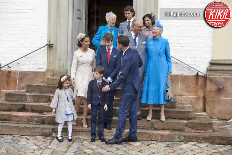 Prince Vincent, Principe Felix, Prince Henrik, Contessa Alexandra, Regina Margrethe, Principe Nikolai, Principessa Athena, Principe Joachim - Copenhagen - 01-04-2017 - Il principe Felix di Danimarca riceve la cresima