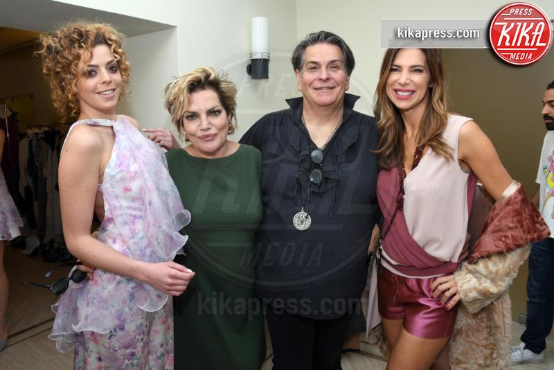Cristina Donadio, Veronica Maya - Napoli - 01-04-2017 - Veronica Maya, bella in rosa alla sfilata di Alessio Visone