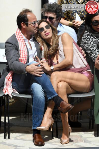 Marco Moraci, Veronica Maya - Napoli - 01-04-2017 - Veronica Maya, bella in rosa alla sfilata di Alessio Visone