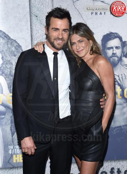 Justin Theroux, Jennifer Aniston - Hollywood - 04-04-2017 - Jennifer e Justin alla premiere di The Leftovers: e la crisi?