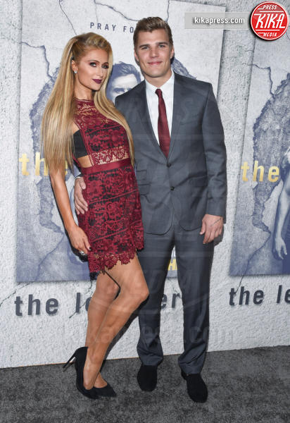 Chris Zylka, Paris Hilton - Hollywood - 04-04-2017 - Jennifer e Justin alla premiere di The Leftovers: e la crisi?