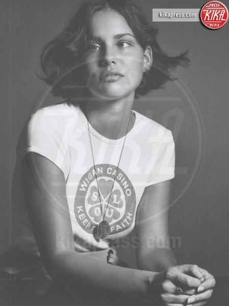 Brunette Moffy - Milano - Moffy, la modella strabica che ha rivoluzionato la moda