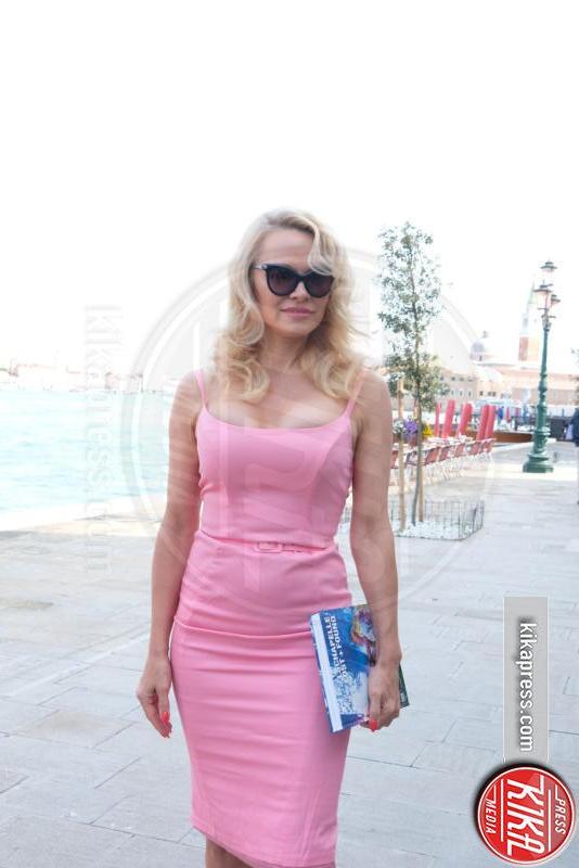 Pamela Anderson - Venezia - 05-04-2017 - Pamela Anderson-Julian Assange: tutta le verità in una lettera