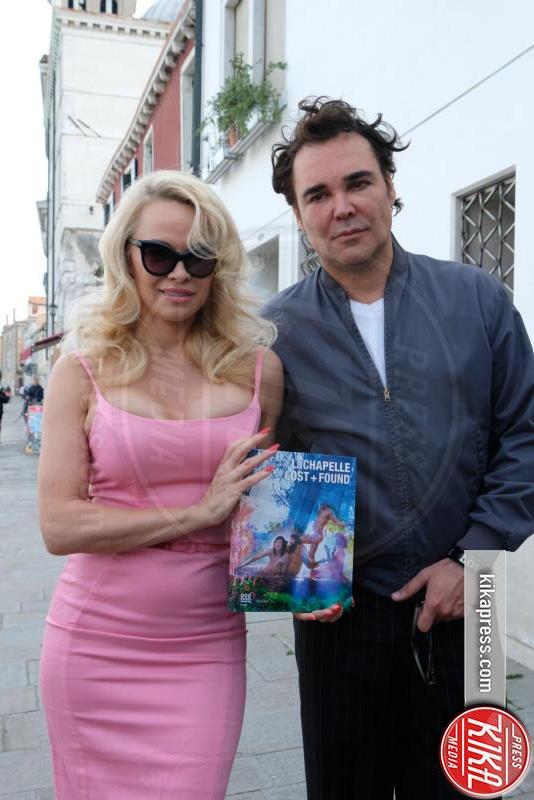 David LaChapelle, Pamela Anderson - Venezia - 05-04-2017 - Pamela Anderson, la pantera rosa di David LaChapelle a Venezia